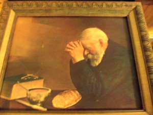 picture-old-man-praying-56a4